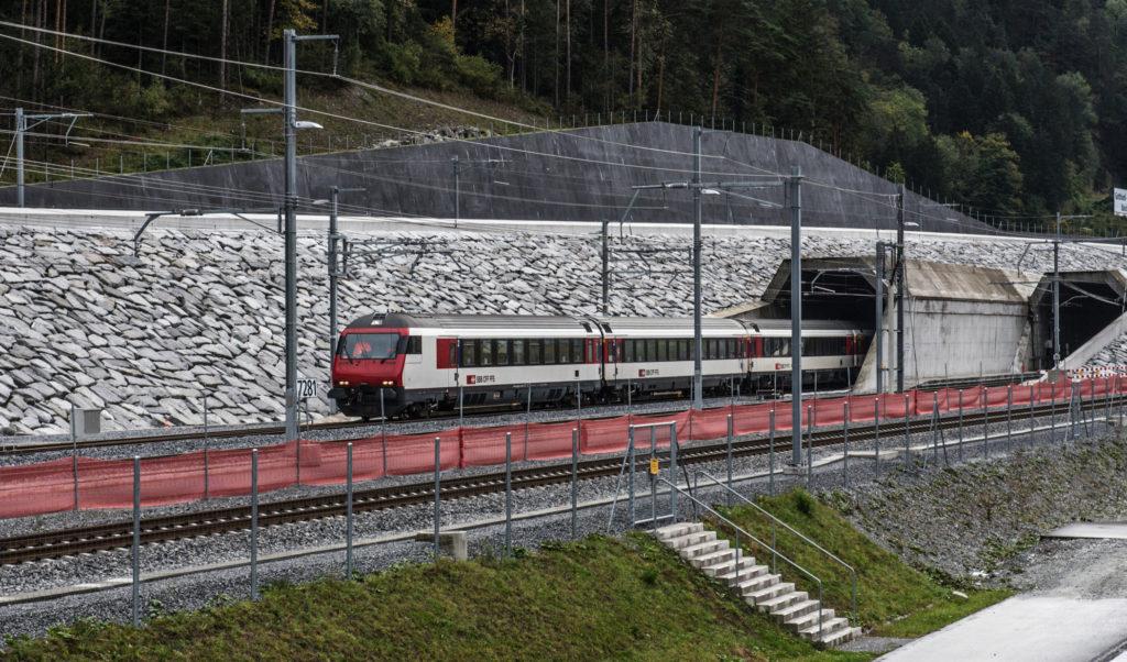 Διακόπτεται προσωρινά η σιδηροδρομική σύνδεση Ελβετίας-Ιταλίας λόγω κορονοϊού