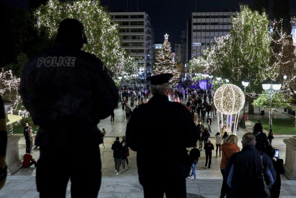 Η αστυνομοκρατία καλά κρατεί- Κλείνουν πέντε σταθμοί του μετρό