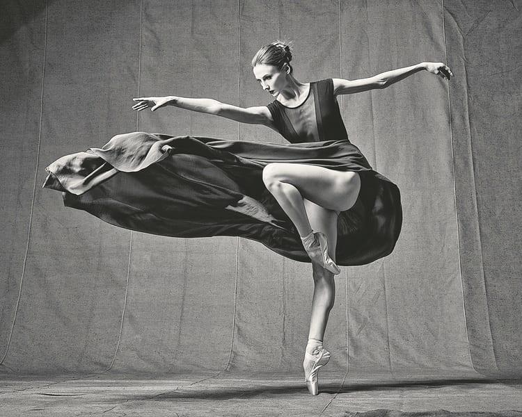 """Σβετλάνα Ζαχάροβα: """"Τα περισσότερα βήματα στη ζωή μου τα έχω κάνει χορεύοντας"""" [Συνέντευξη]"""