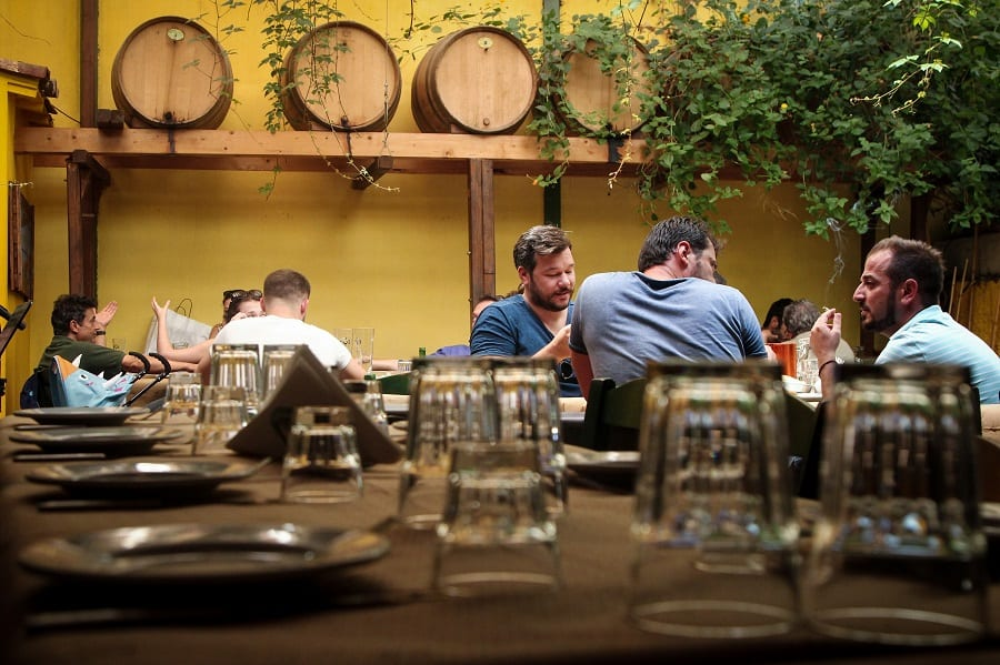 """Ρεπορτάζ: Οινοζυθεστιατόριο """"Κληματαριά"""""""