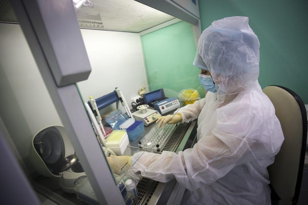 Κορονοϊός: «Μάχη» ερευνητών για το εμβόλιο – Οι πρωταγωνιστές του φαρμακευτικού τομέα