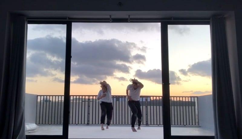 Μια απρόσμενη χορογραφία σε μπαλκόνι της Μάλτας (video)