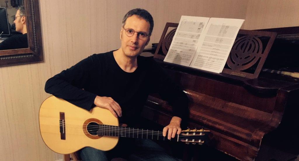 Συνέντευξη με τον κιθαρίστα Μανόλη Ανδρουλιδάκη