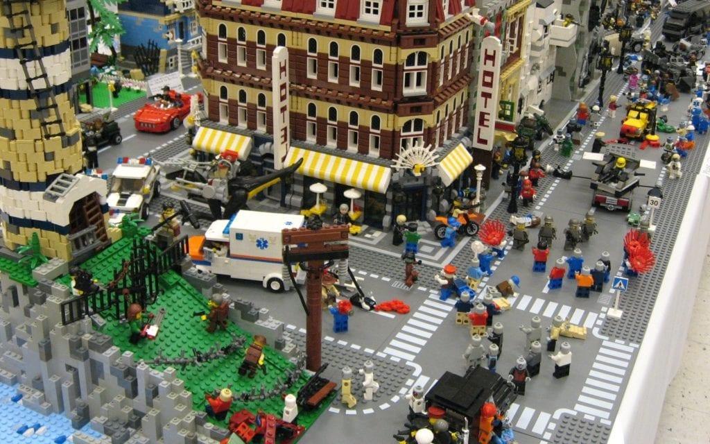 Άρης Καλαντίδης: Ο «Μεγάλος περίπατος» ή αλλιώς… η πόλη ως LEGO