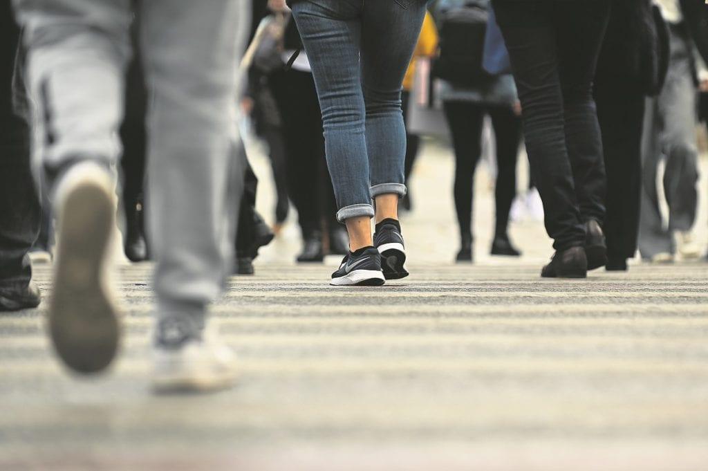 Στο «κόκκινο» η ανεργία: Καταρρίπτεται το αφήγημα της κυβέρνησης Μητσοτάκη