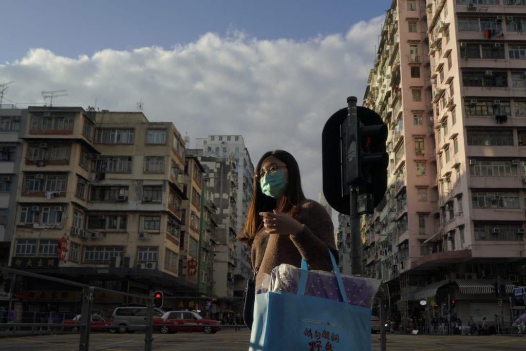 Χονγκ Κονγκ: Για πρώτη φορά από την έναρξη της πανδημίας οι αρχές επιβάλλουν lockdown σε δεκάδες χιλιάδες πολίτες