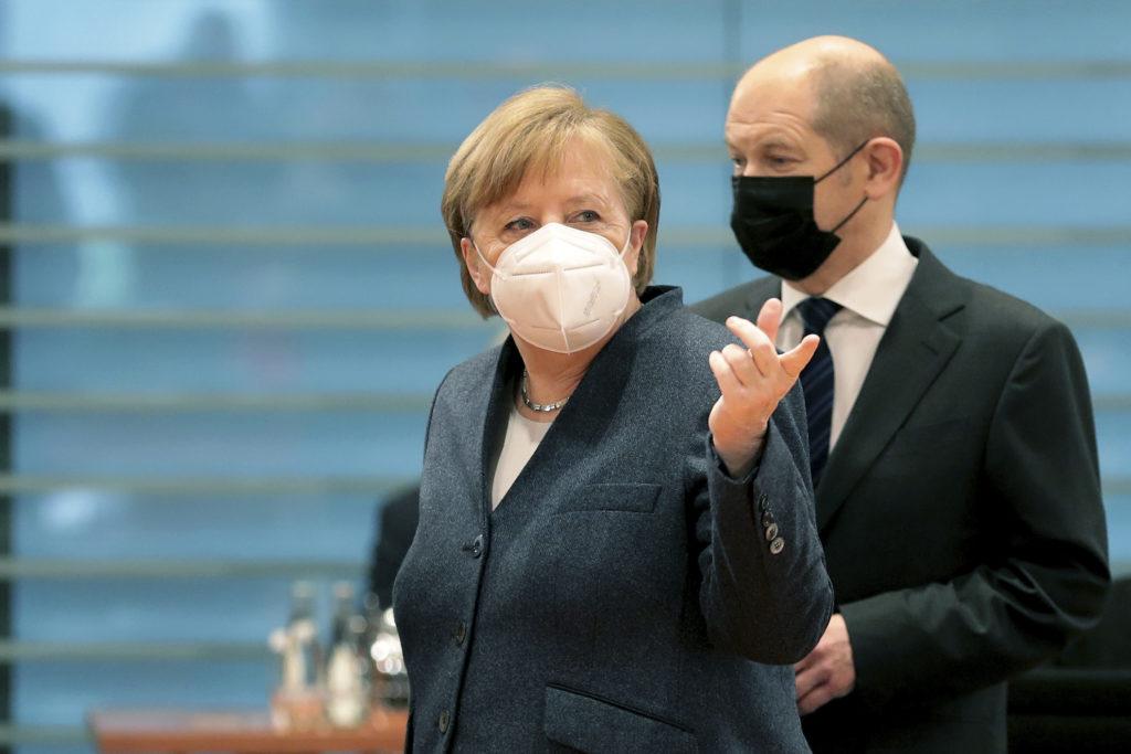 Γερμανία: Έξαλλος ο αντικαγκελάριος Όλαφ Σολτς με την ΕΕ και την Ούρσουλα φον ντερ Λάιεν για τους εμβολιασμούς