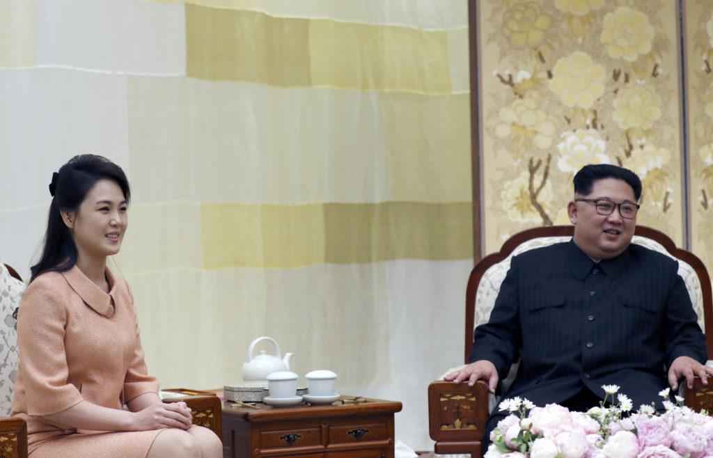 Βόρεια Κορέα: Πρώτη δημόσια εμφάνιση για τη σύζυγο του Κιμ Γιονγκ Ουν μετά από ένα χρόνο