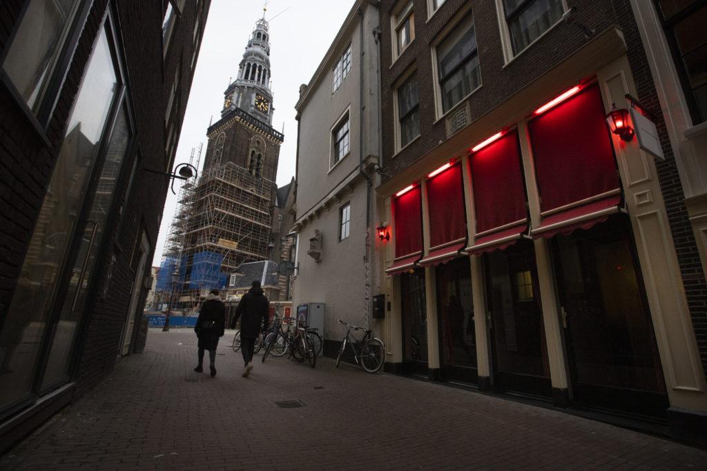 Ολλανδία-κορονοϊός: Η κυβέρνηση ψάχνει τρόπο για να διατηρήσει την βραδινή απαγόρευση μετά την δικαστική ανατροπή