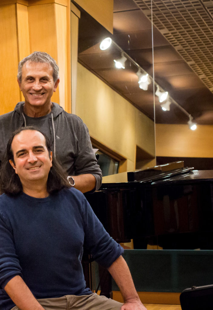 """Dakry"" – Νταλάρας, Κουμπιός, Sotomayor σε ένα ευχάριστο μουσικό ξάφνιασμα"