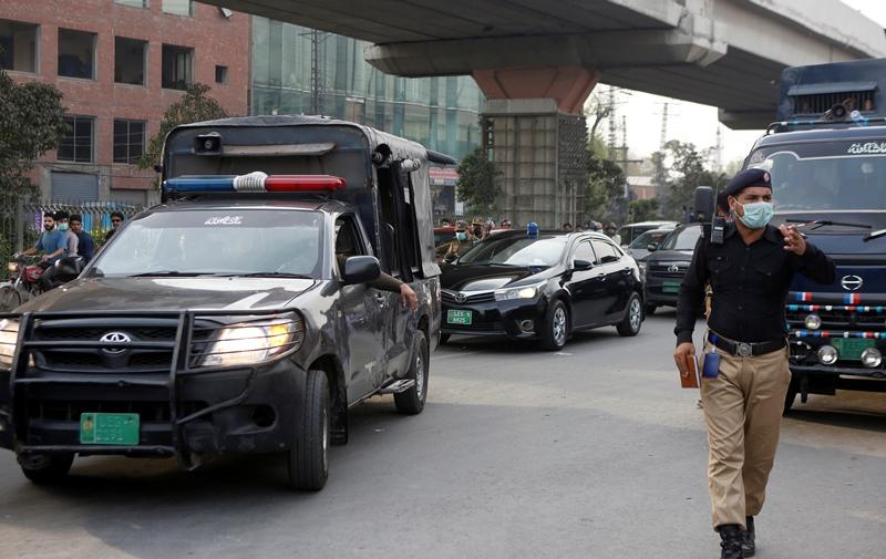 Πακιστάν: Σε θάνατο καταδικάστηκαν δύο άνδρες για τον βιασμό Γαλλοπακιστανής