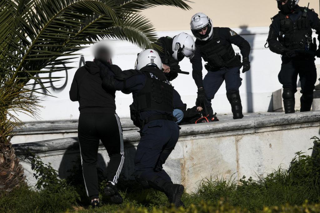 Αστυνομική αυθαιρεσία: Επιστολή φοιτητή στο documentonews.gr – «Με συνέλαβαν γιατί τραβούσα βίντεο»