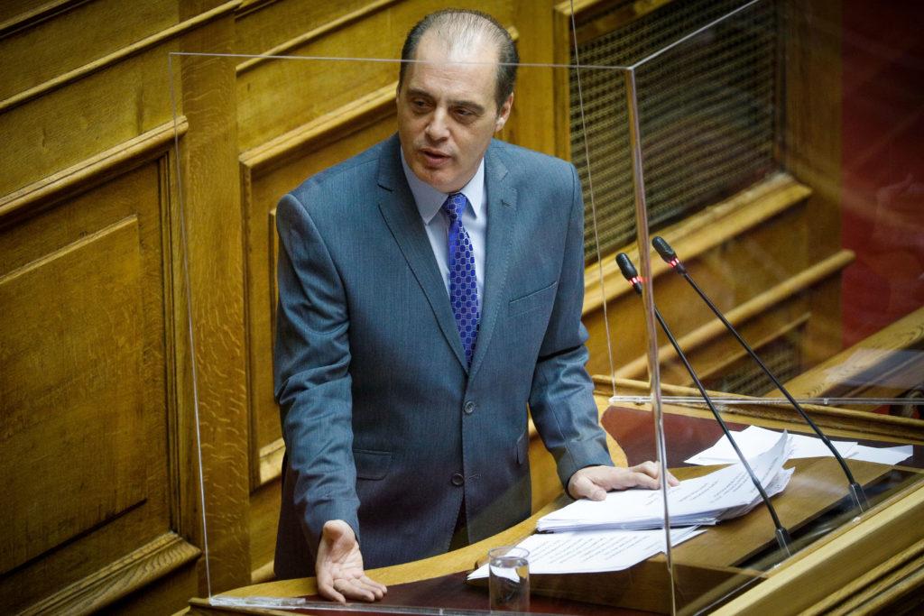 Βελόπουλος στη Βουλή: Δίνετε έργα στον Καλογρίτσα για να κάνει αυτό που θέλετε (Video)