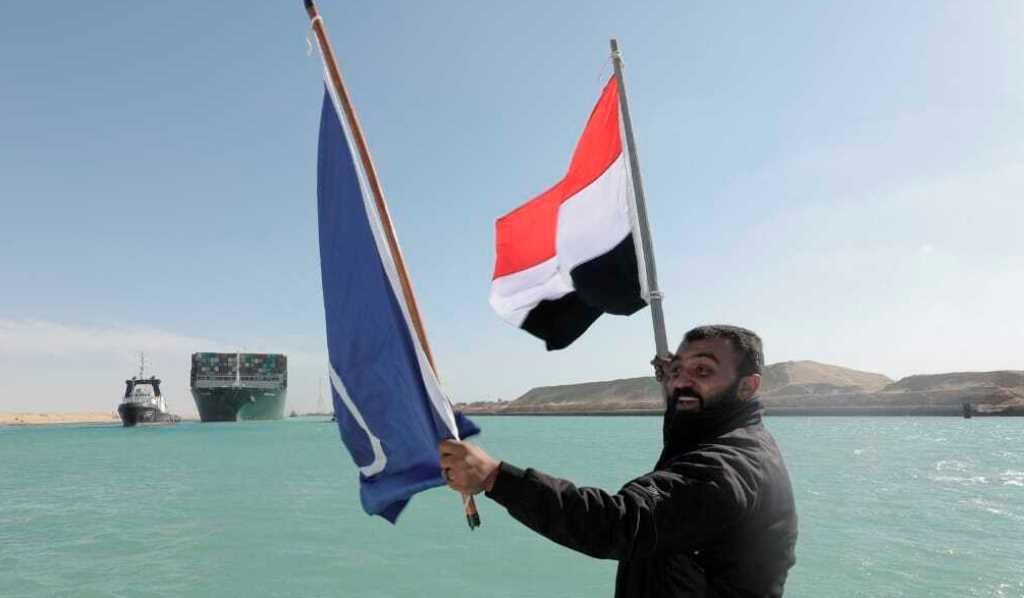 Διώρυγα Σουέζ: Περισσότερα από 100 πλοία πέρασαν μέσα σε λίγες ώρες