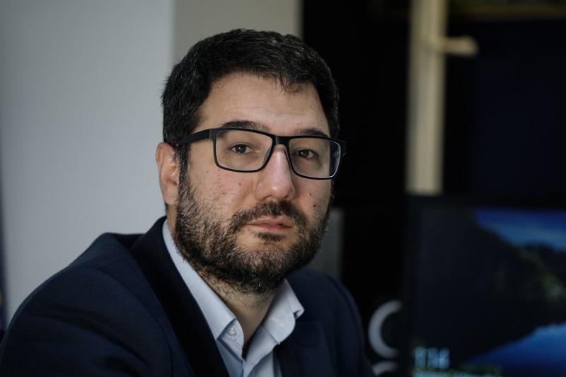 Νάσος Ηλιόπουλος: Βαρύτατα εκτεθειμένος ο κ. Χρυσοχοΐδης για τη δολοφονία Καραϊβάζ