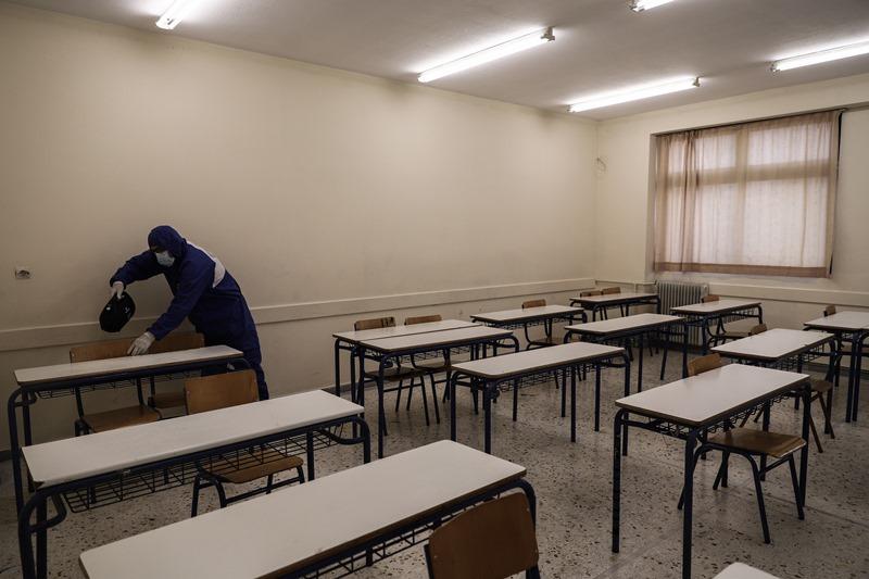 Νίκος Φίλης: Πάρτε μέτρα ασφαλείας στα σχολεία