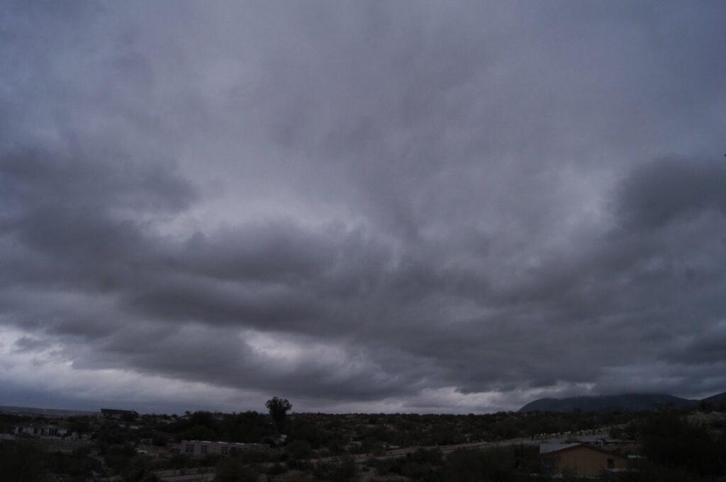 Ο καιρός: Συννεφιά το πρωί, βροχές και κρύο το βράδυ