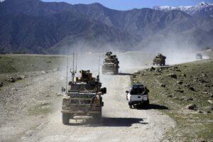 Αφγανιστάν: Οι Ταλιμπάν επιτίθενται, οι ΗΠΑ υπόσχονται αεροπορική συνδρομή