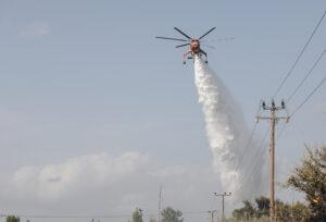 Πολύ υψηλός κίνδυνος πυρκαγιάς τη Δευτέρα για τέσσερις περιφέρειες