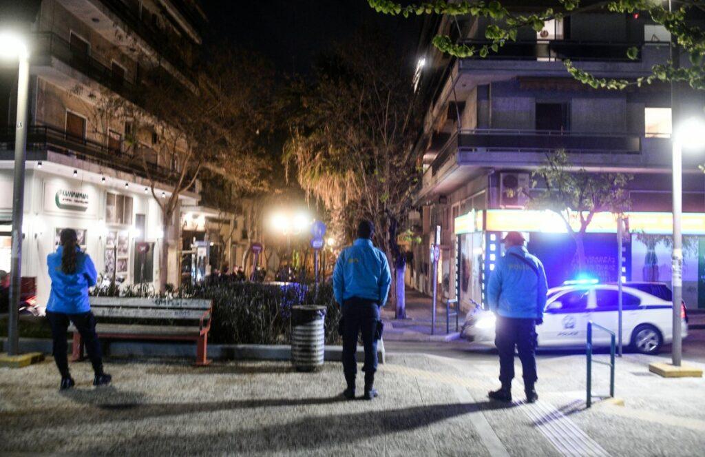 Αποκλεισμένη από την αστυνομία η πλατεία Βαρνάβα στο Παγκράτι (Photos)