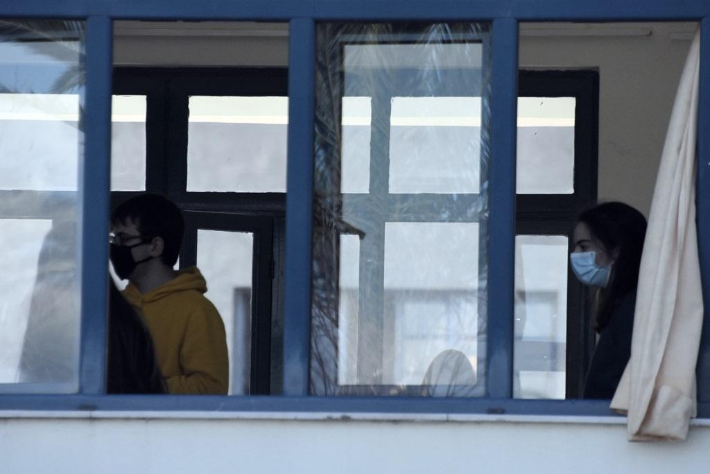 Τροιζηνία: 13χρονος μαθητής θύμα bullying και εκβιασμού από ενήλικες – Αναγκάστηκε να πηδήξει από κοντέινερ