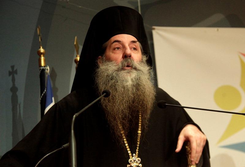 Ο Σεραφείμ «την πέφτει» στον Μιχαλολιάκο για Σατανισμό – «Έγραψε ύμνο στον Πάνα»