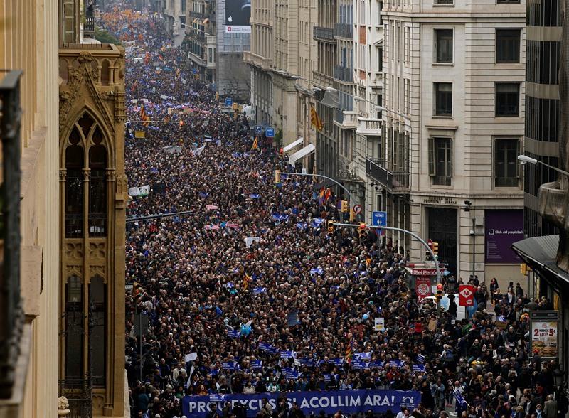 Ισπανία: 160.000 διαδηλωτές στη Βαρκελώνη υπέρ της υποδοχής προσφύγων