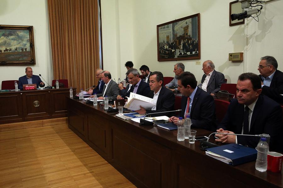Εισηγητής ΣΥΡΙΖΑ: Δεν έχω δει πιο υποτελή σε τραπεζίτη από τον Άδωνι Γεωργιάδη