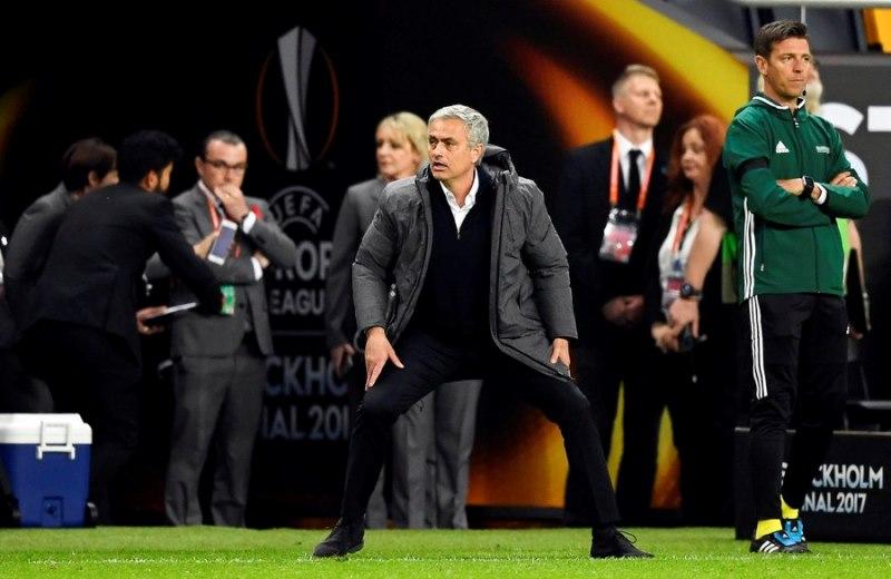Manchester United: Πανηγυρίζει το πρώτο της Europa League