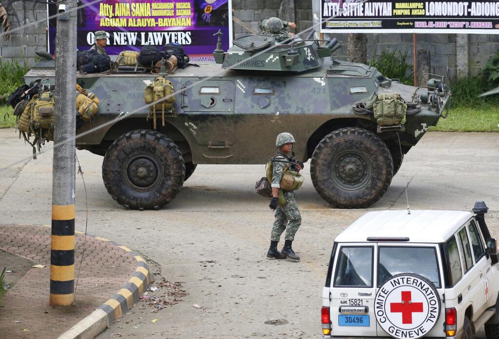 Τους εκατό πλησιάζουν οι νεκροί στις Φιλιππίνες