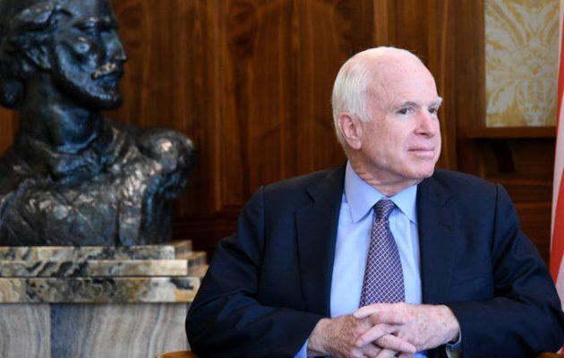 Μακέιν: Ο Πούτιν είναι μεγαλύτερη απειλή από το Ισλαμικό Κράτος