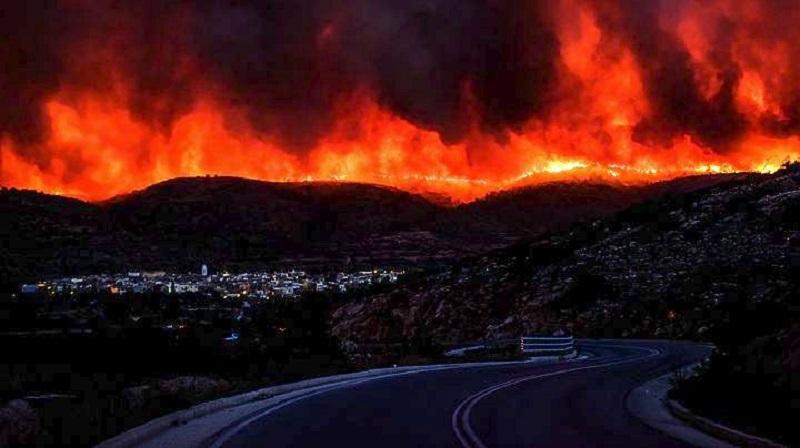 Μαίνονται τα πύρινα μέτωπα στη χώρα – Νέα πυρκαγιά στη Μάνη