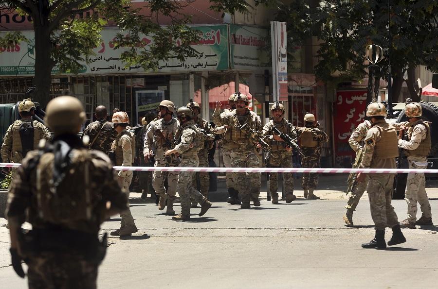 Επίθεση αυτοκτονίας σε τέμενος στο Αφγανιστάν – Τουλάχιστον 20 νεκροί και 30 τραυματίες