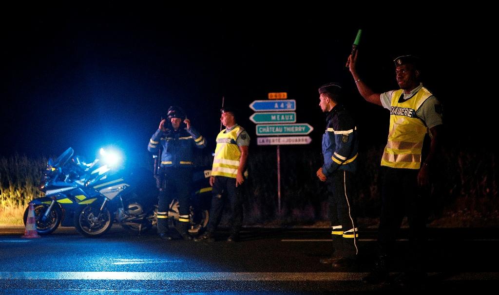 Παρίσι: Υπό την επήρεια «φαρμάκων» ο οδηγός που μπήκε στην πιτσαρία με το αυτοκίνητό του