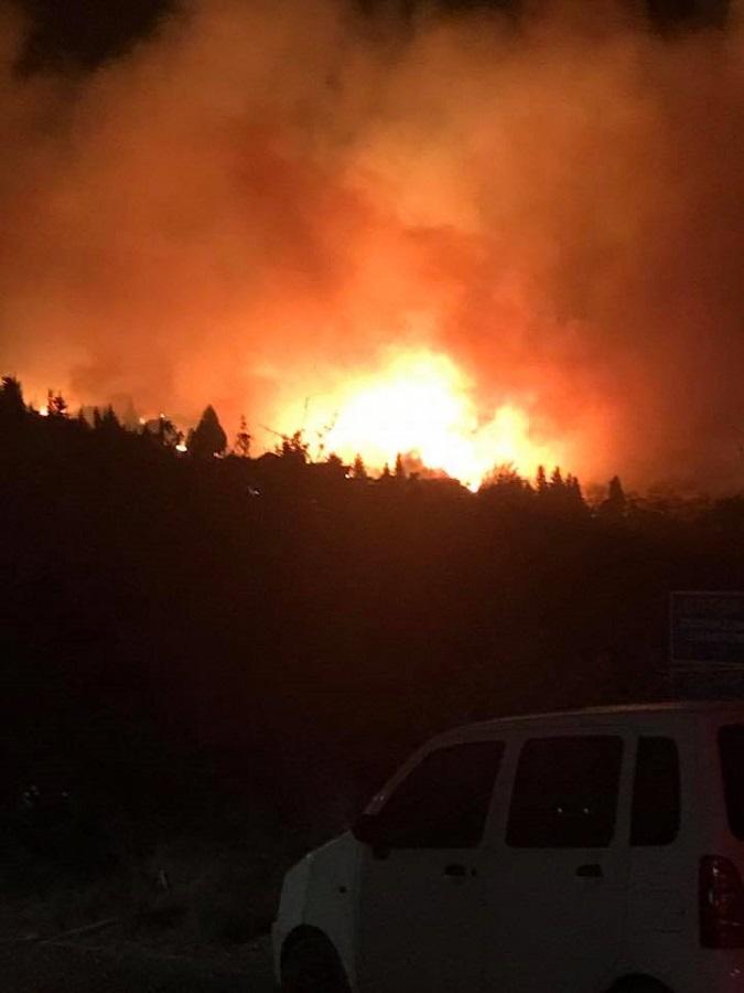 Μεγάλη πυρκαγιά στην Κεφαλονιά – Εκκενώνονται τα χωριά Λουρδάτα και Σιμωτάτα (Photos-Videos)