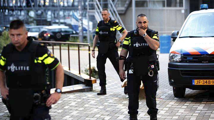 Ολλανδία: Λεωφορείο με ισπανικές πινακίδες και φιάλες αερίου βρέθηκε έξω από το συναυλιακό χώρο