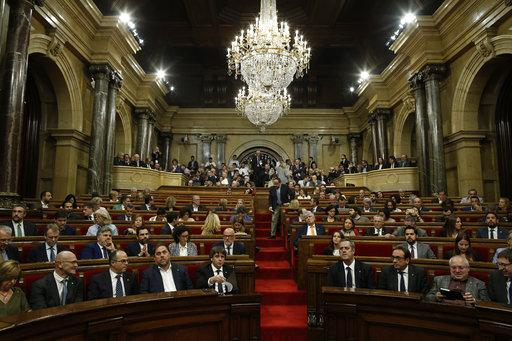 Ισπανία: Κρίσιμες ώρες για την Καταλονία – Αυτονομία ή έλεγχος από την Μαδρίτη