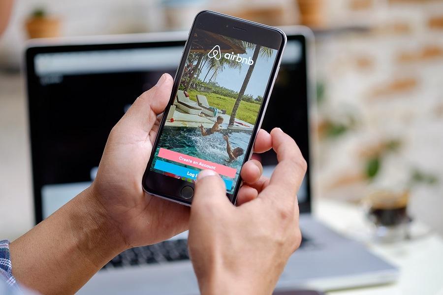 Καινοτομία στη φοροδιαφυγή ακόμη και… μέσω Airbnb