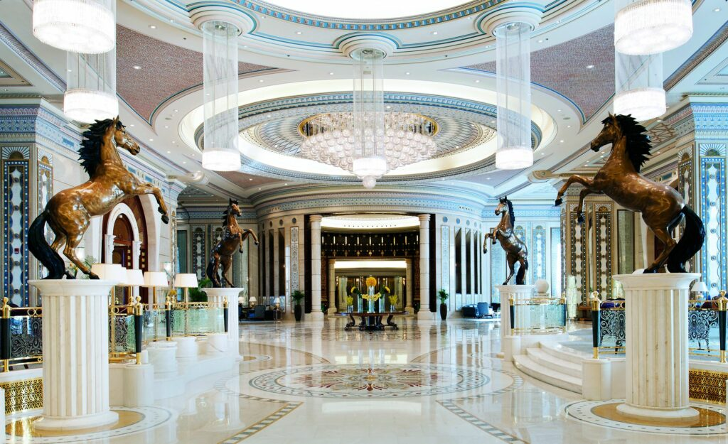 Σαουδική Αραβία: Το πολυτελές ξενοδοχείο όπου κρατούνται πρίγκιπες, υπουργοί και επιχειρηματίες (Photos)