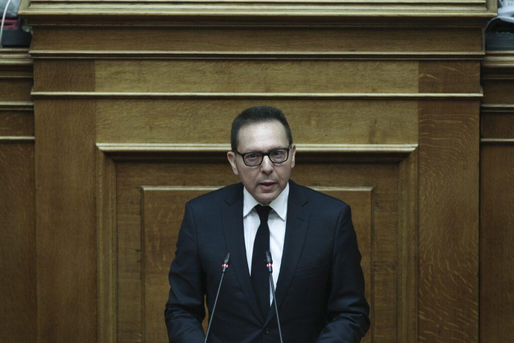 Ο Στουρνάρας εμφανίστηκε ως συνήγορος της συζύγου του στη Βουλή-  Ζήτησε άμεση συγκρότηση της Επιτροπής