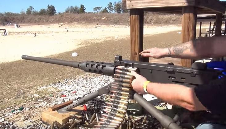 To You Tube θα δείχνει όπλα αλλά όχι τρικ για να τα κάνει κάποιος πιο …δυνατά