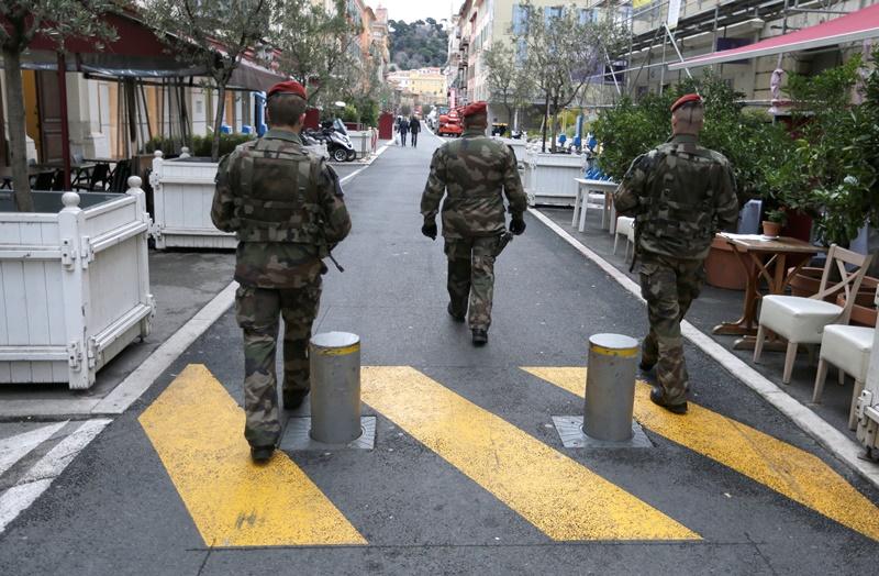 Συναγερμός στη Γαλλία: Επίθεση με μαχαίρι σε σούπερ μάρκετ – Μία νεκρή