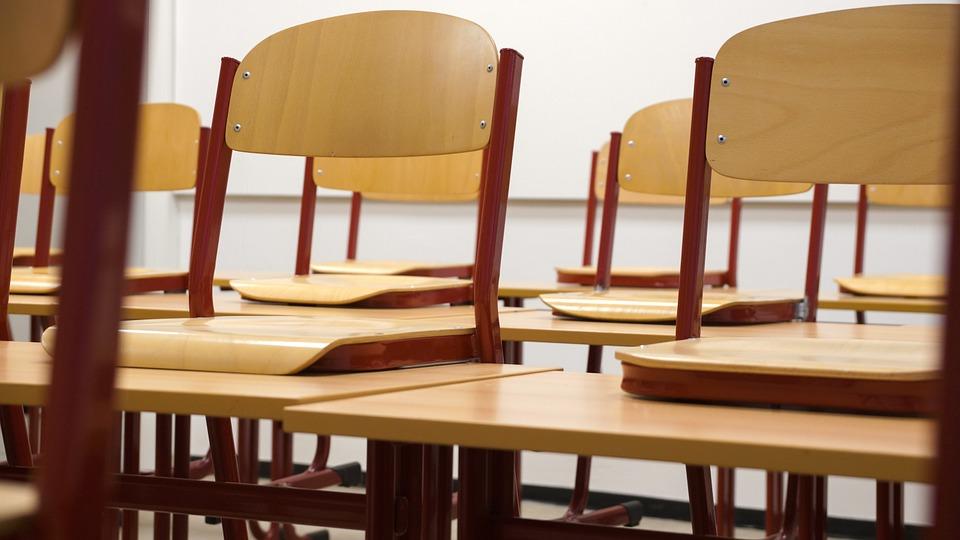 Η οργή των φοιτητών σε ορκωμοσία – Αποδοκιμάζουν έντονα τον καθηγητή του ΤΕΙ Σερρών (Video)