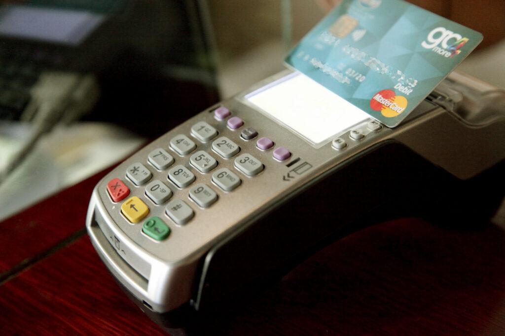 Πότε κληρώνει η φορολοταρία Οκτωβρίου που θα «μοιράσει» 1.000 ευρώ