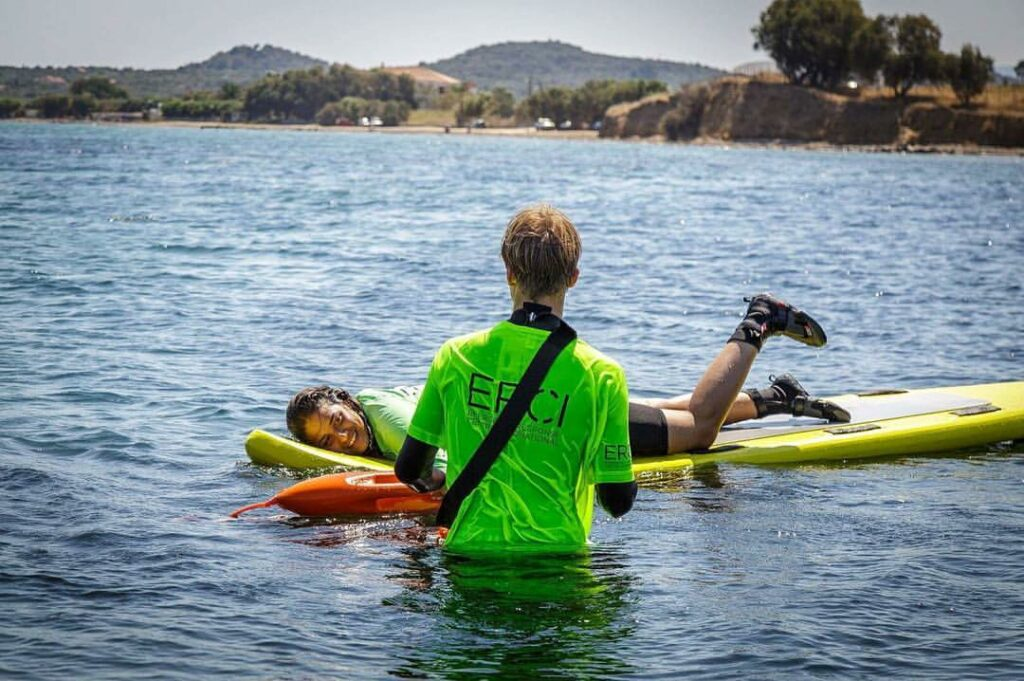 Σάρα Μαρντίνι, η κολυμβήτρια «ηρωίδα του Αιγαίου»: «Στη Μόρια είναι πολύ χειρότερα από τον Κορυδαλλό»