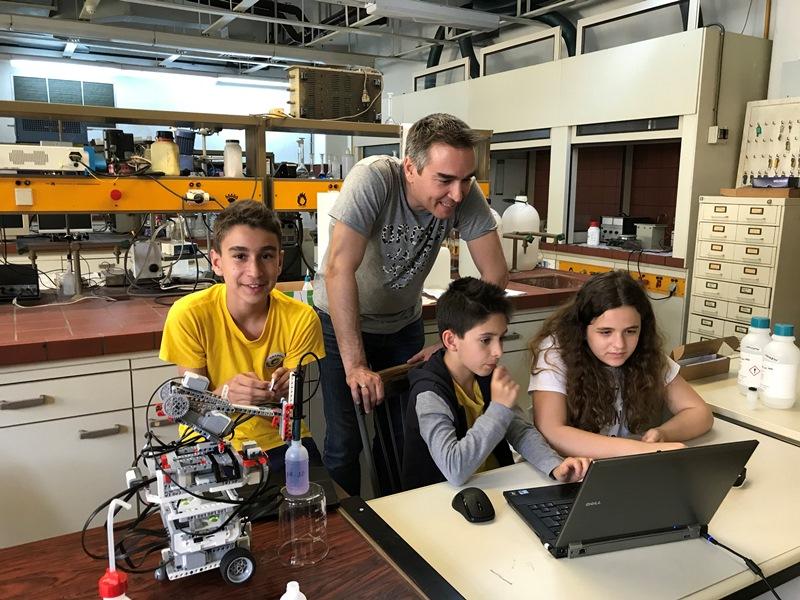 Oι τρεις μικροί εφευρέτες στην Ολυμπιάδα Ρομποτικής της Ταϊλανδης