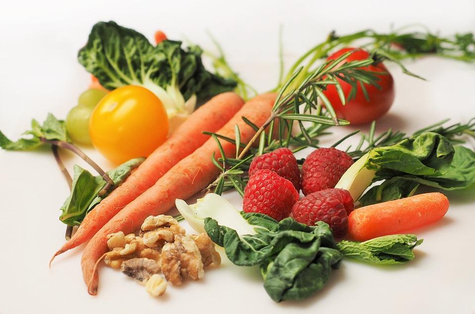 Οι τροφές που μπορούν να μειώσουν τη χοληστερίνη