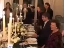 Ο Λάκης Γαβαλάς «έκαψε» τον Κυριάκο – Δεν ψήφισε τη μείωση των εισφορών για γεύμα με τους Λαλαούνηδες (Video)