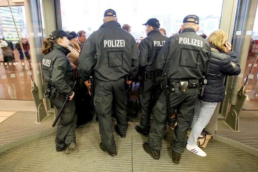Συναγερμός στη Γερμανία – Πληροφορίες για σχέδιο επίθεσης αυτοκτονίας