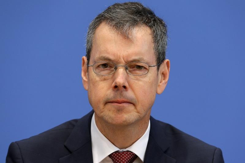 Μπόφινγκερ: Έγιναν λάθη στην Ευρωζώνη